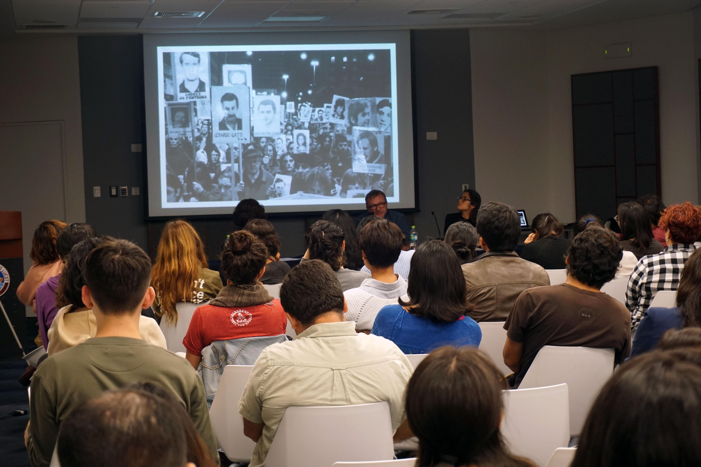 Conferencia, 15 de mayo. Aula Polivalente A100. Foto: Sara Guerrero.
